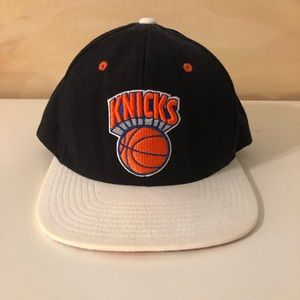 Mitchell & Ness New York Knicks snapback hat